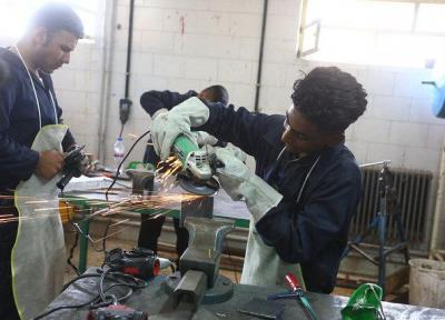 فواید ارتباط با دنیای کار برای دانش آموزان