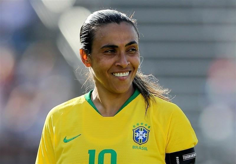 فوتبال دنیا، یک زن رکورد رونالدو و مسی را شکست