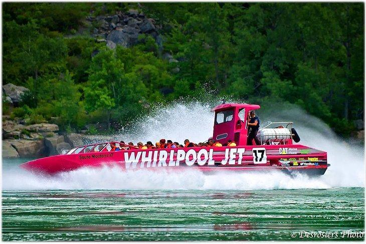 تورهای گرد قایق با گرداب نیاگارا کانادا