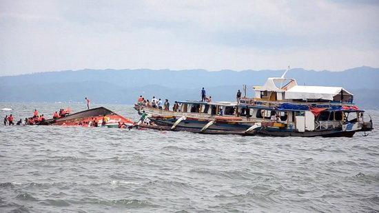 13 کشته و ده ها مفقود در حادثه واژگونی قایق در ایتالیا
