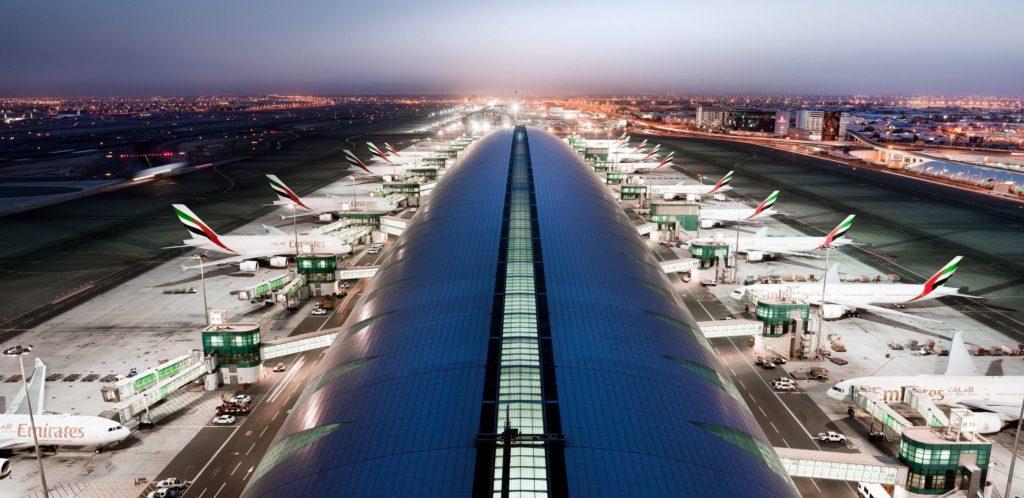 اختلال در پروازهای فرودگاه دبی ، احتمال حضور پهپاد ناشناس در اطراف فرودگاه