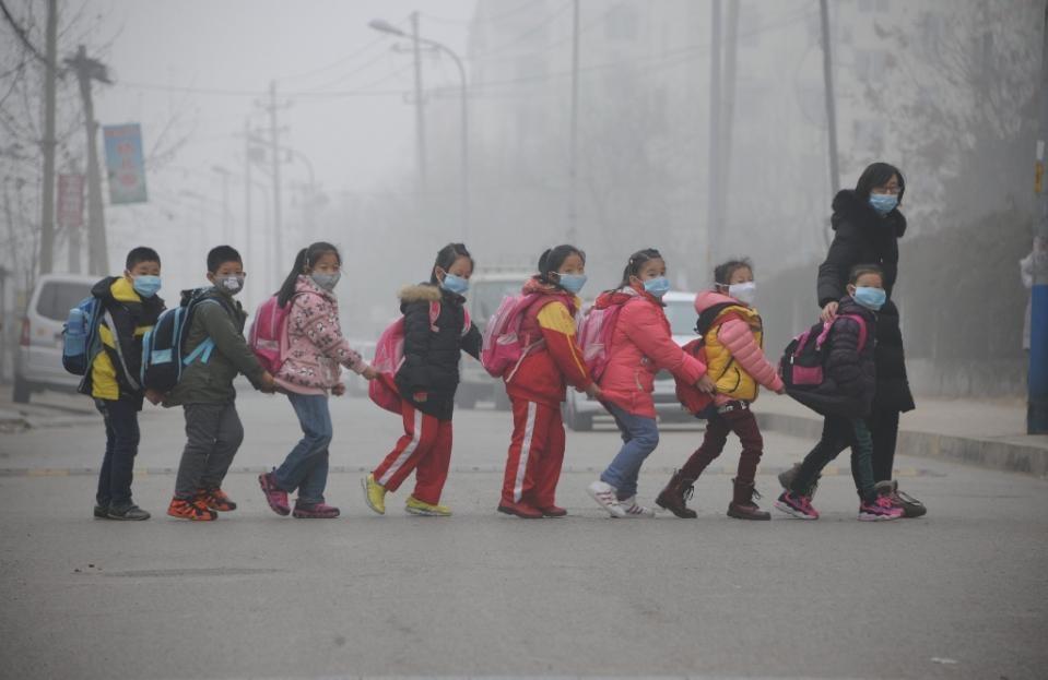 10 شهر چین وضعیت هشدار قرمز آلودگی هوا اعلام می نمایند