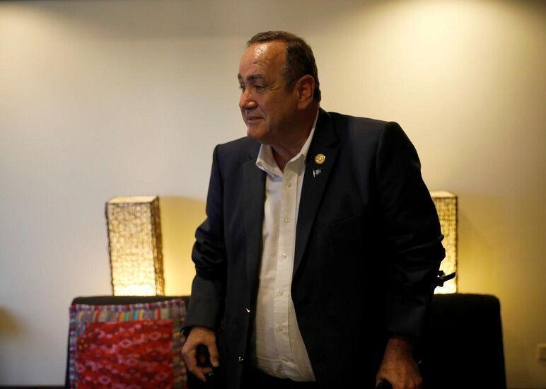 ممنوعیت ورود رئیس جمهور گواتمالا به ونزوئلا
