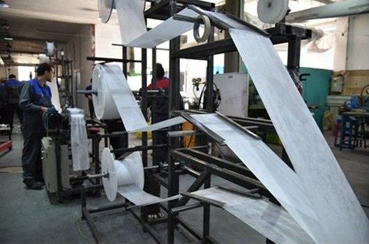اولین خط فراوری ماسک سه لایه در ایران به همت پژوهشگران اصفهانی ساخته شد