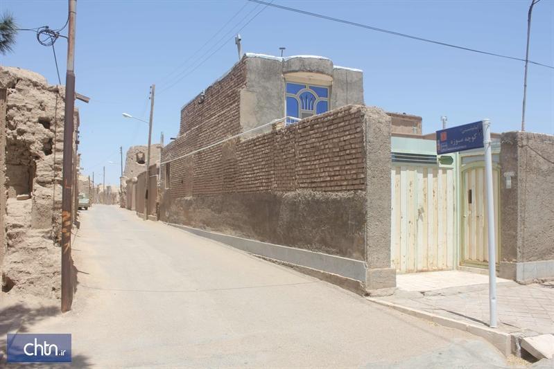 اجرای کف سازی و جداره سازی کوچه موزه در شهر سه قلعه سرایان